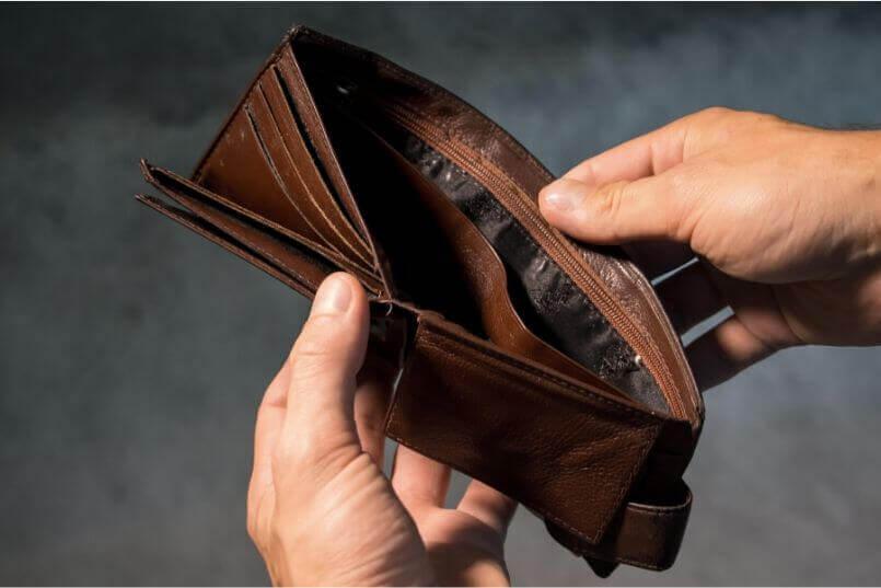スキャナーや裁断機の購入はお金の無駄