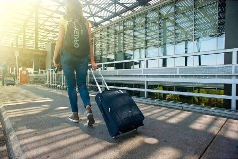 国内旅行や海外旅行の飛行機の検査